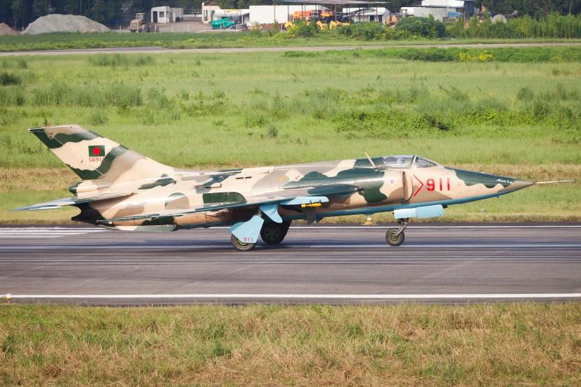 911_Nanchang_A-5_Bangladesh_Air_Force_Lined_up_for_Take_Off_(8130159777).jpg