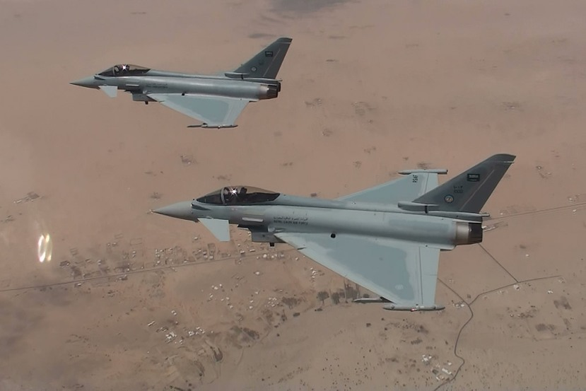 AIR_Eurofighters_Saudi_Desert_BAE_lg.jpg