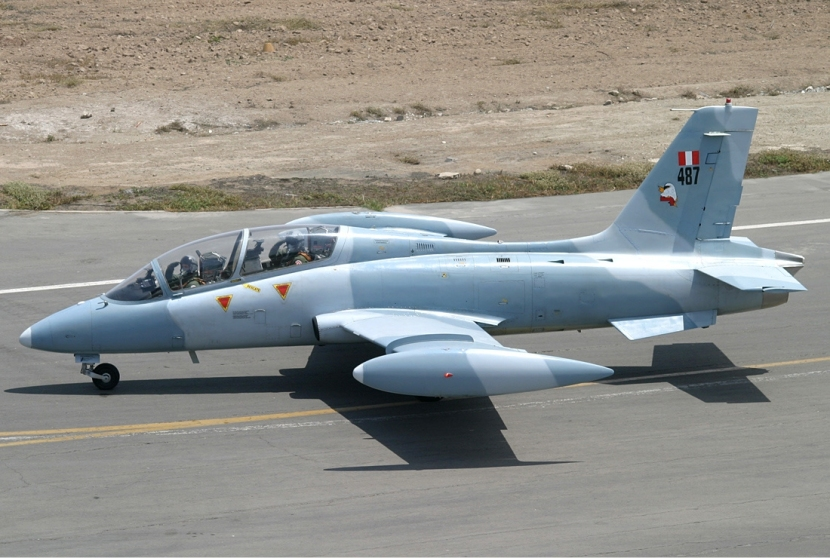 Peruvian_Air_Force_Aermacchi_MB-339AP_SDLP-3.jpg