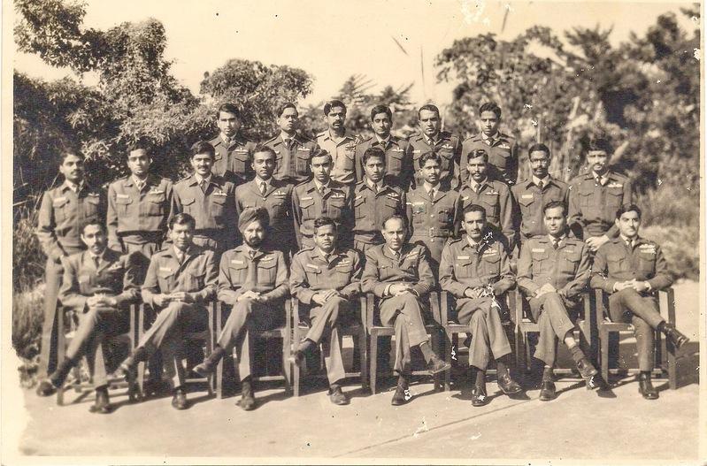 37+Squadron+Dec+1971.jpg