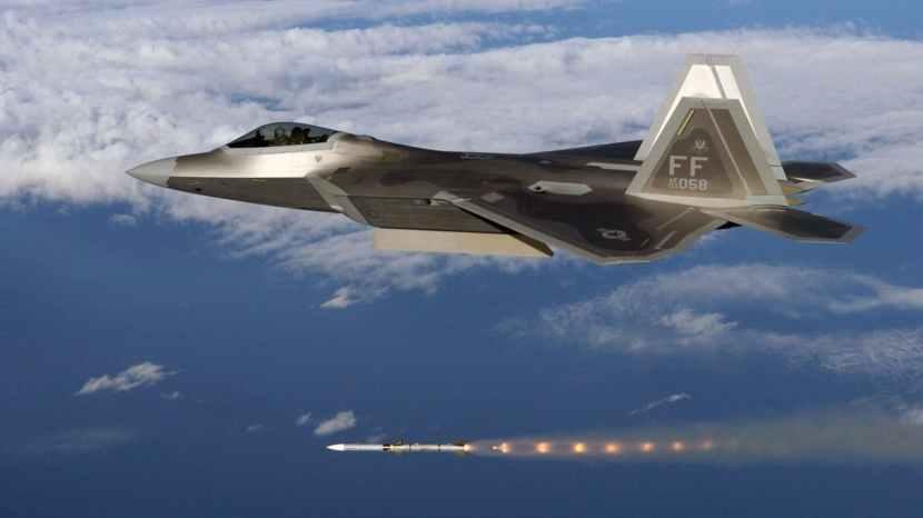 https___api.thedrive.com_wp-content_uploads_2019_06_f-22-missile.jpeg