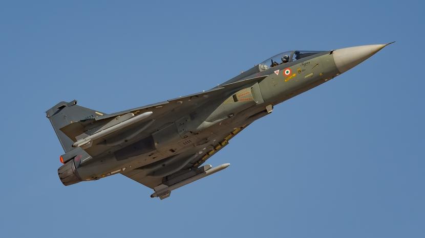 IAF_Tejas_full_size_(32941198511).jpg