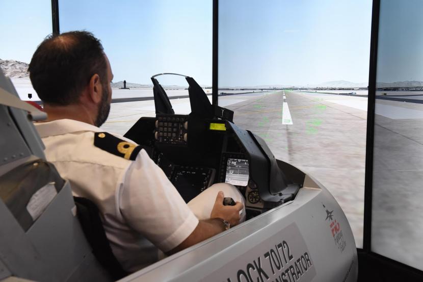 VR-Pilot-Training (1).jpg
