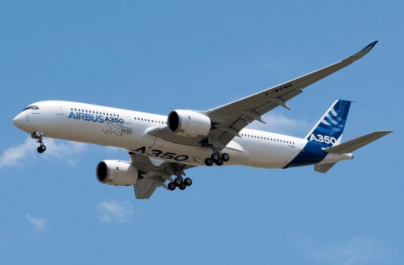 A350_First_Flight_-_Low_pass.jpg