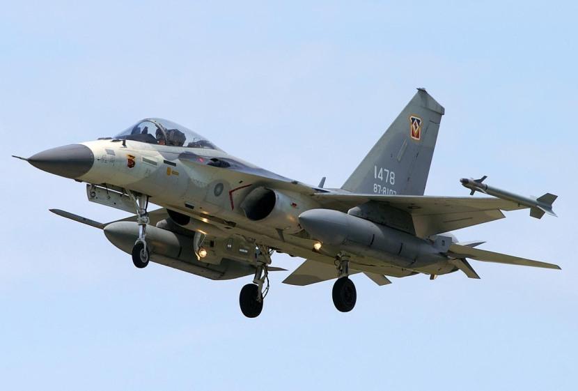 AIDC F-CK-1 Ching-kuo 005.jpg