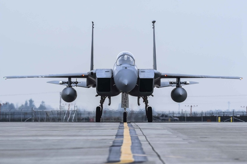 F-15C-front-view.jpg