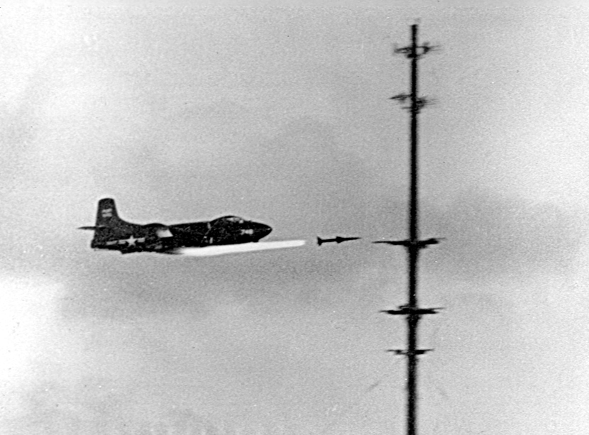 F3D-1_Skyknight_launches_Sparrow_missile_in_1950.jpg