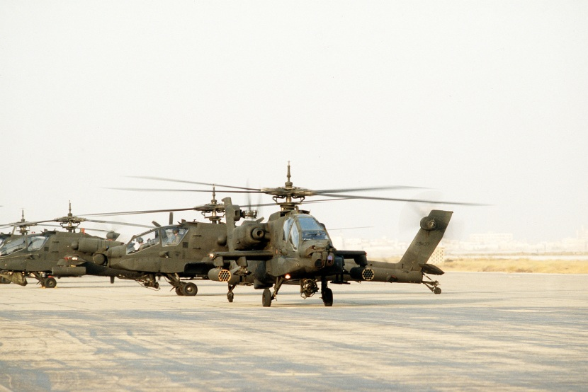 two-ah-64-apache-helicopters-depart-for-a-training-flight-during-operation-69d2f6-1600.jpg