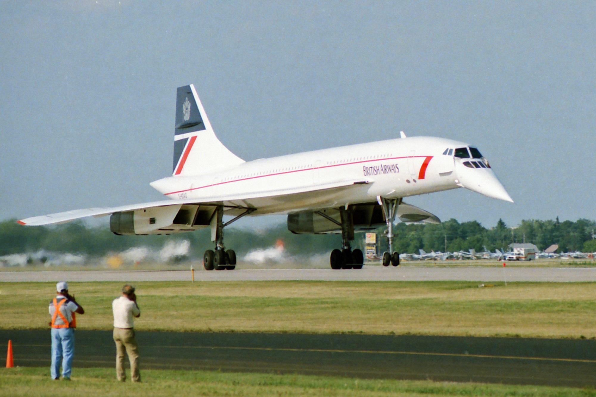 BAC Concorde Oshkosh C small (1).jpg