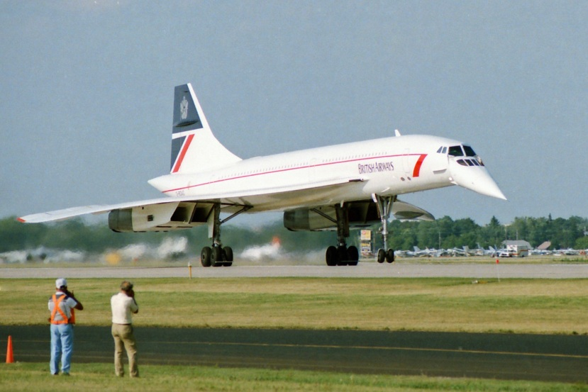 BAC Concorde Oshkosh C small (1).jpg