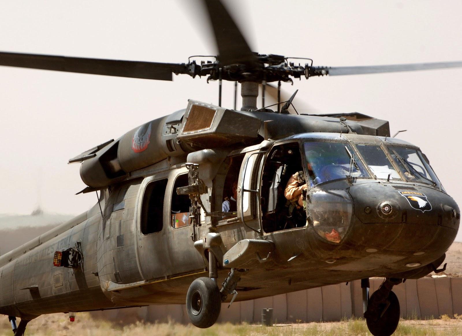 UH-60 Black Hawk (1).jpg