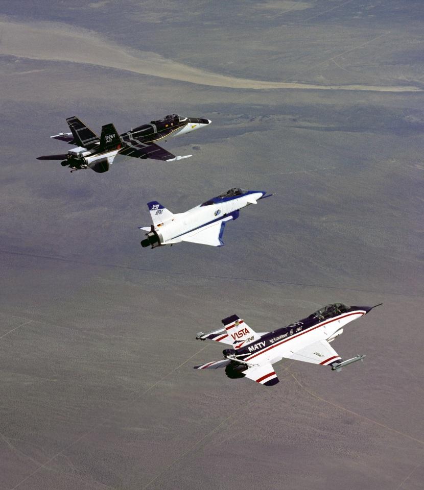 3_three_thrust-vectoring_aircraft