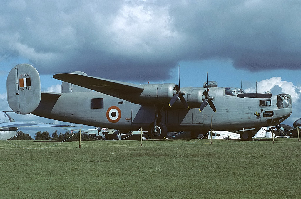 Consolidated_B-24L_Liberator,_India_-_Air_Force_AN1139882.jpg