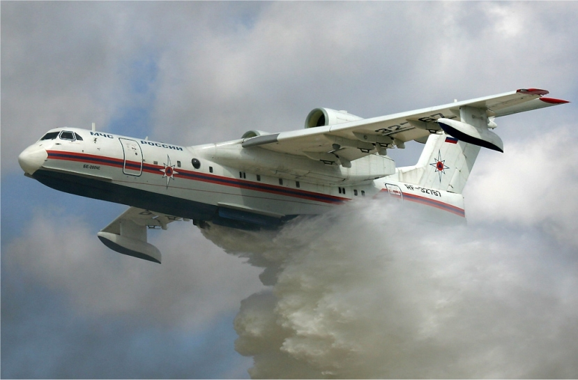 MChS_Beriev_Be-200_waterbomber.jpg