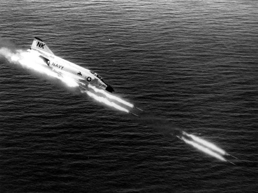 F-4B_VF-143_firing_rockets_NAN1-65.jpg