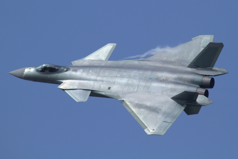 J-20_at_Airshow_China_2016.jpg