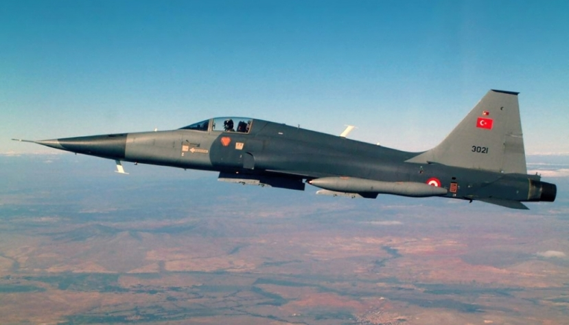 4_F-5A 2000.jpg