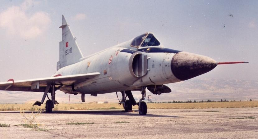 6_F-102A.jpg