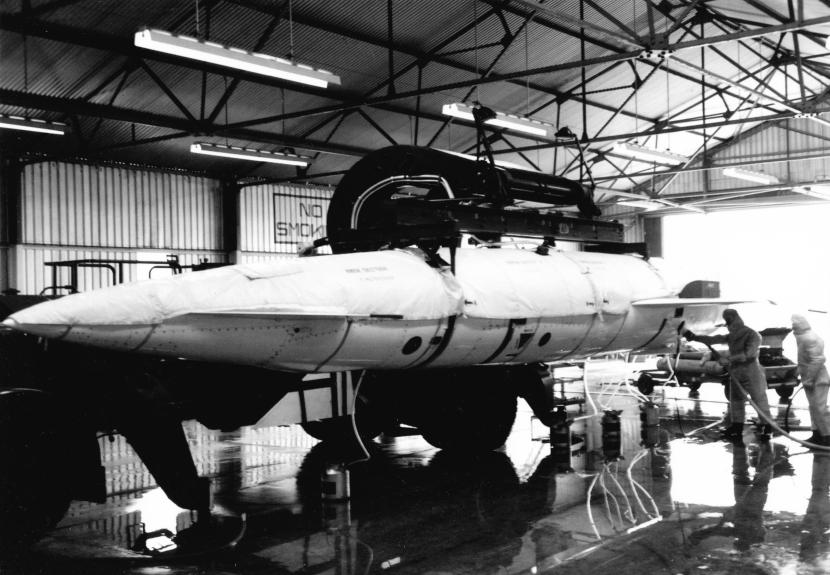 Avro Blue Steel missile fuelling.jpg