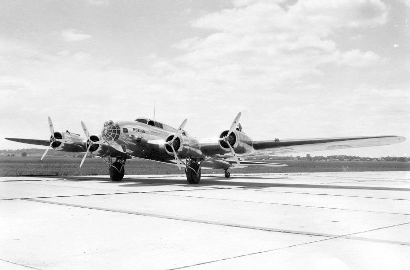 Boeing-299-XB-17-left-quarter-view.jpg