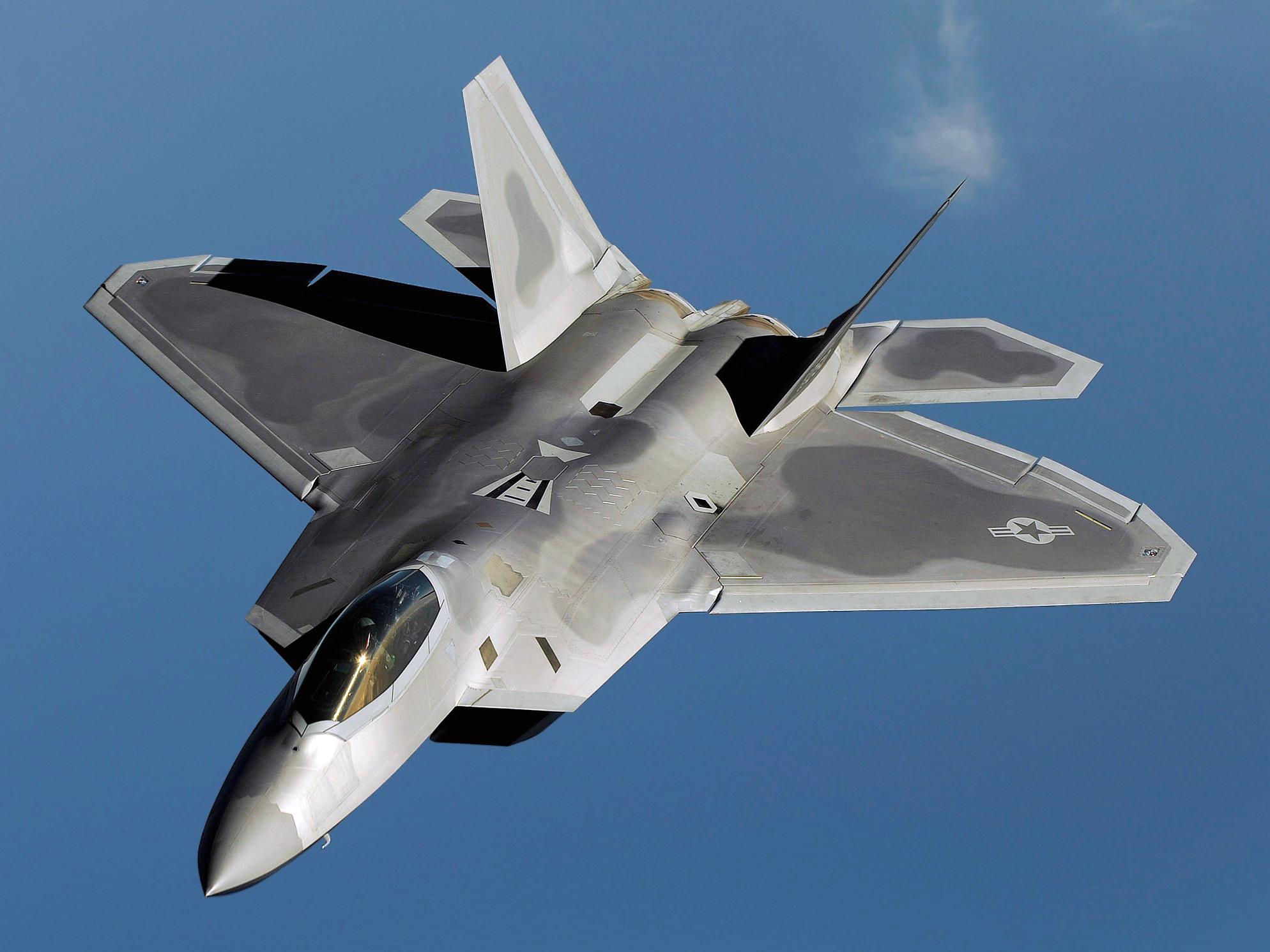 F-22_Raptor_edit1_(cropped).jpg