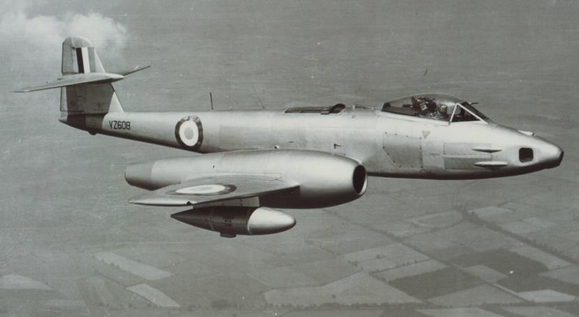 06 Meteor FR9 VZ608.JPG