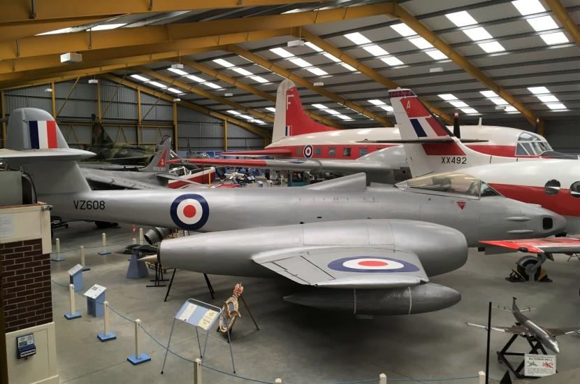 14 VZ608 Hangar 2.JPG