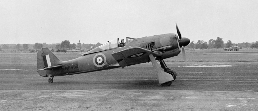 A_captured_Focke_Wulf_Fw_190A-3_at_the_Royal_Aircraft_Establishment,_Farnborough,_with_the_RAE's_chief_test_pilot,_Wing_Commander_H_J__Willie__Wilson_at_the_controls,_August_1942._CH6411 copy