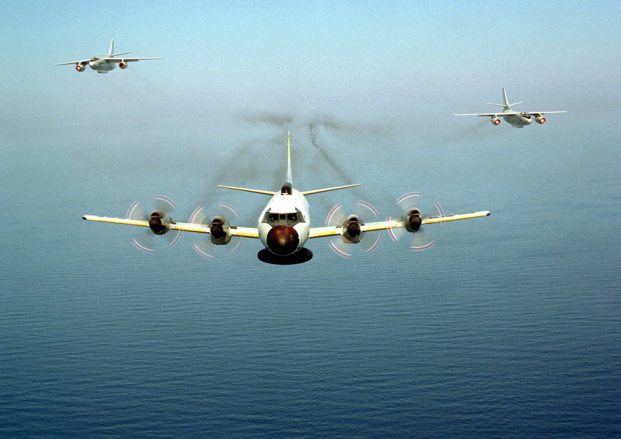 EP-3E and EA-3B's Straits