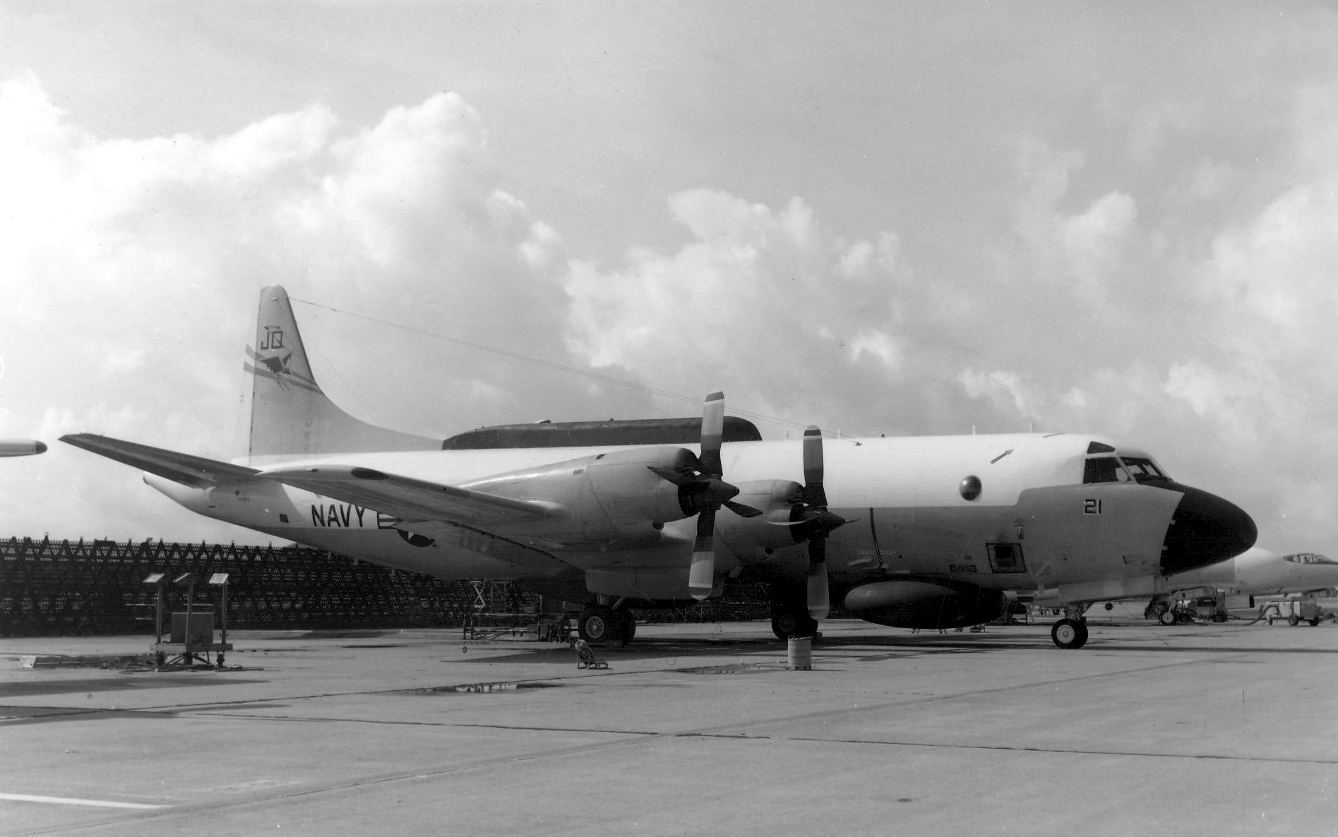 EP-3E_Orion_of_VQ-2_parked_c1971