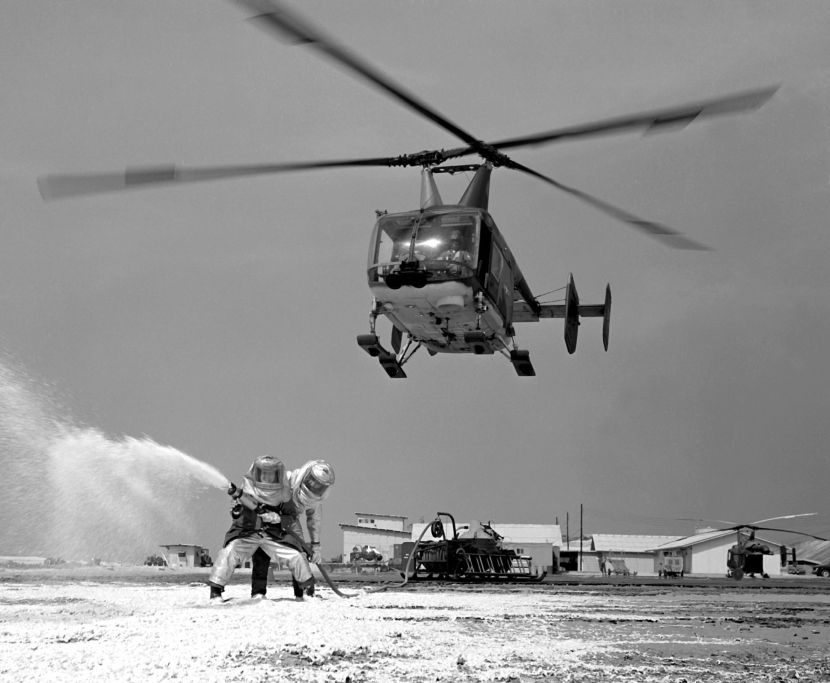 HH-43B_Huskie_at_Cam_Ranh_Bay