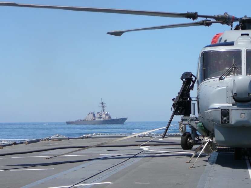 21 JUNE 07 Lynx on Portland USS Laboon in background