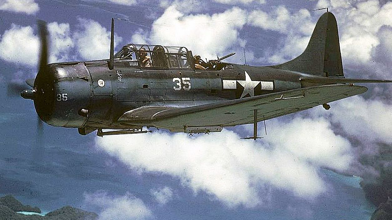 sbd-dauntless-1-large-56a61bf23df78cf7728b6268