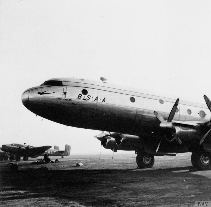 Avro_Tudor_-_The_Berlin_Airlift_1948_-_1949_HU98417.jpg