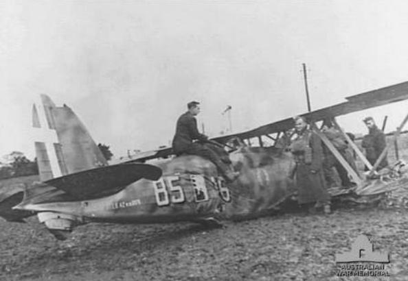 Crashed_Fiat_CR42_near_Lowestoft_1940.jpg