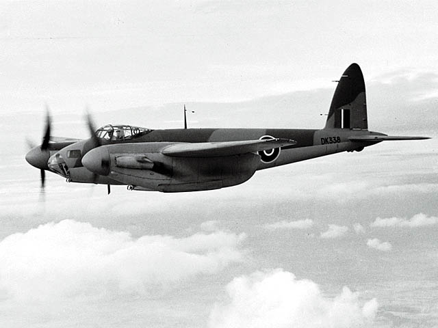 De_Havilland_DH-98_Mosquito_ExCC.jpg