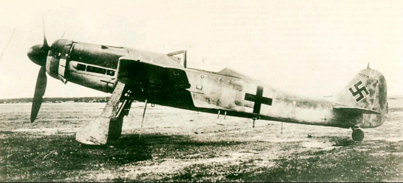 Focke-Wulf-Fw-190D11-prototype-V56-GV+CW-WNr-170924-Adelheide-Bremen-14th-Aug-1944-01