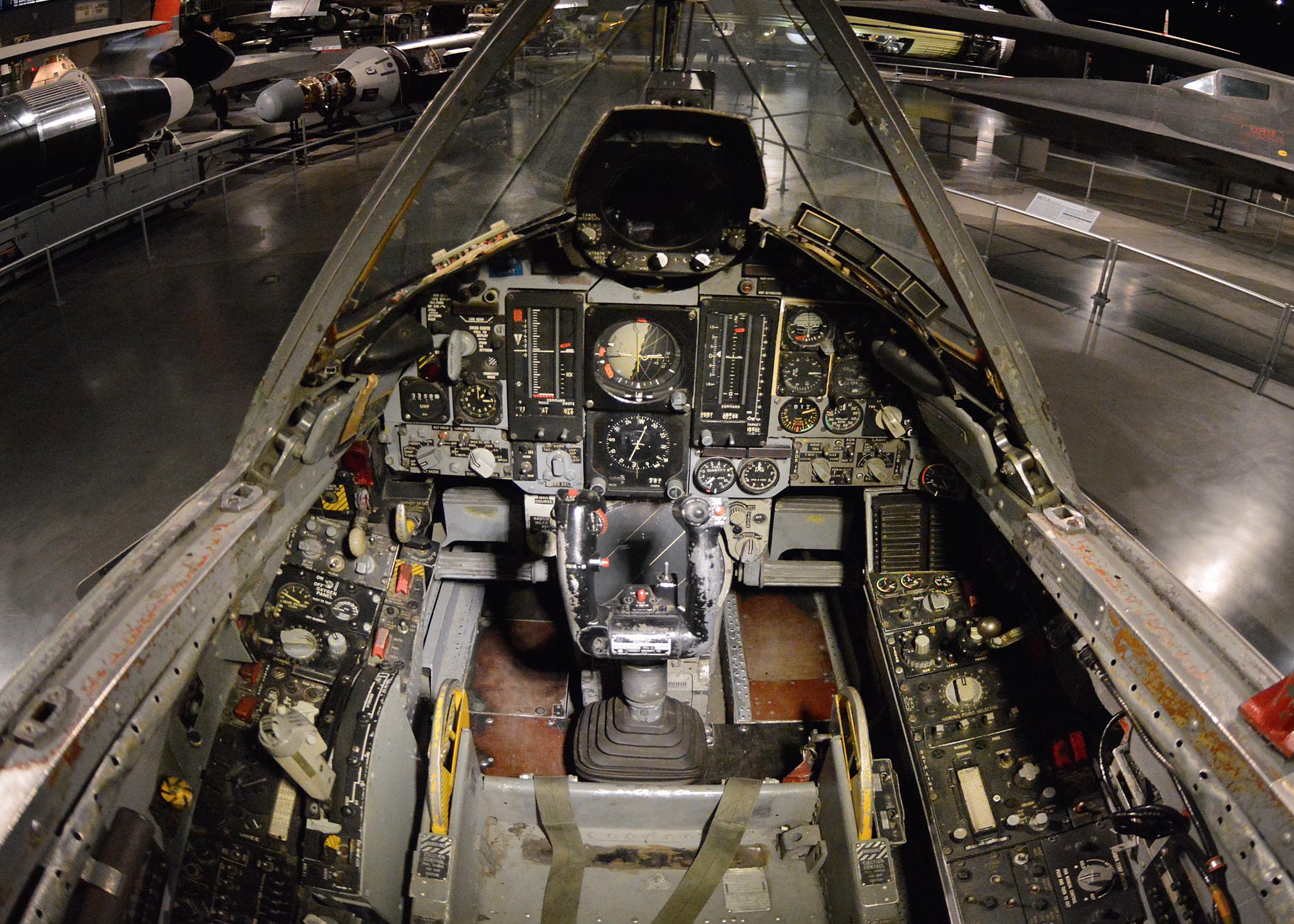 We asked a private-jet interior designer to judge 8 fighter cockpits